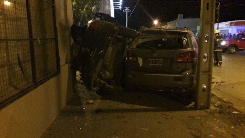 Bomberos rescató a las hermanas y al conductor del VW Gol del interior del vehículo. Solange falleció a causa de las lesiones sufridas en el choque seguido de vuelco.