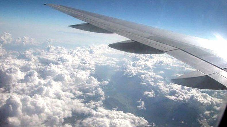 Multan a las aerolíneas que dejen caer  sus desechos desde el aire