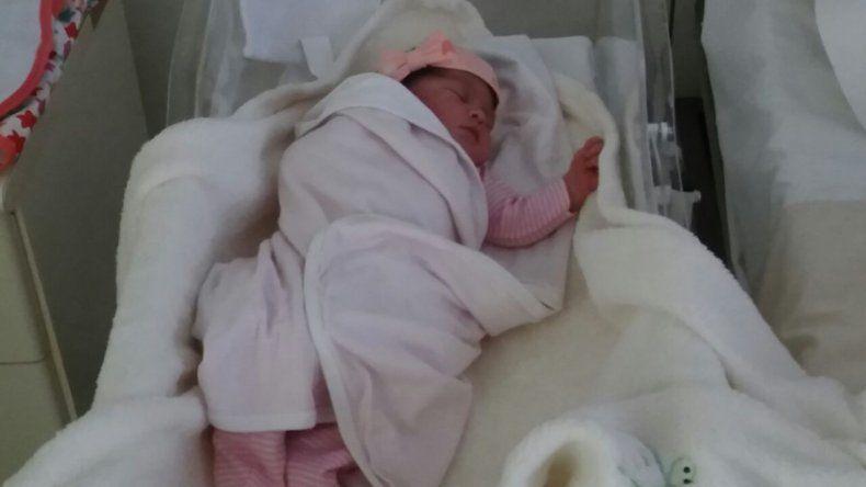 El primer bebé del 2017 en Comodoro nació a los 58 minutos del año