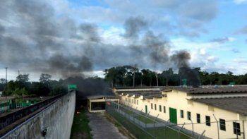 Sangriento motín deja al menos 60 muertos en una cárcel