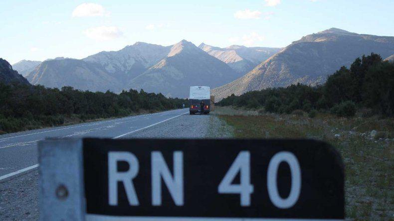 Dejan con lo puesto a turistas checos en plena Ruta 40