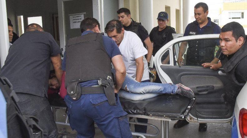 La mujer fue trasladada en un móvil policial al Hospital Regional y se negó a realizar la denuncia.