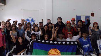 Panfleteada y repudio a la represión en el Lof Cushamen