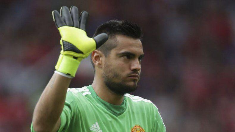 Sergio Romero prefiere seguir en el arco de Manchester United.