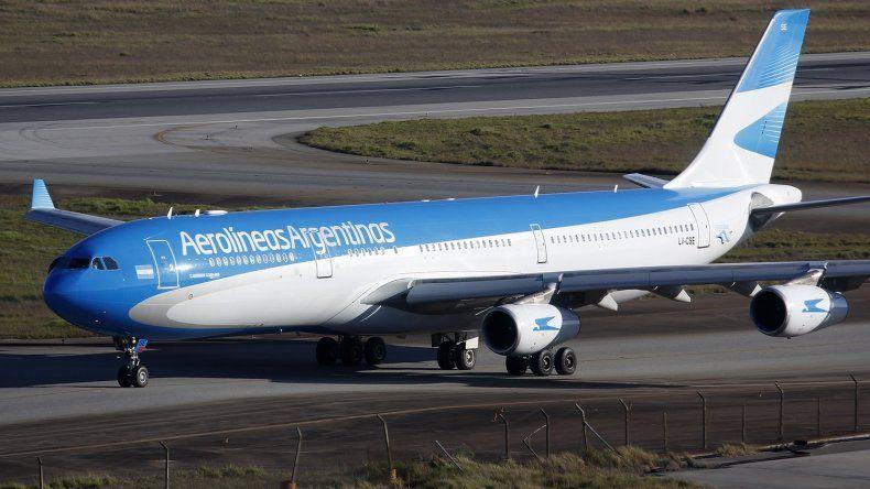 Murió un pasajero en pleno vuelo de Aerolíneas rumbo a Miami