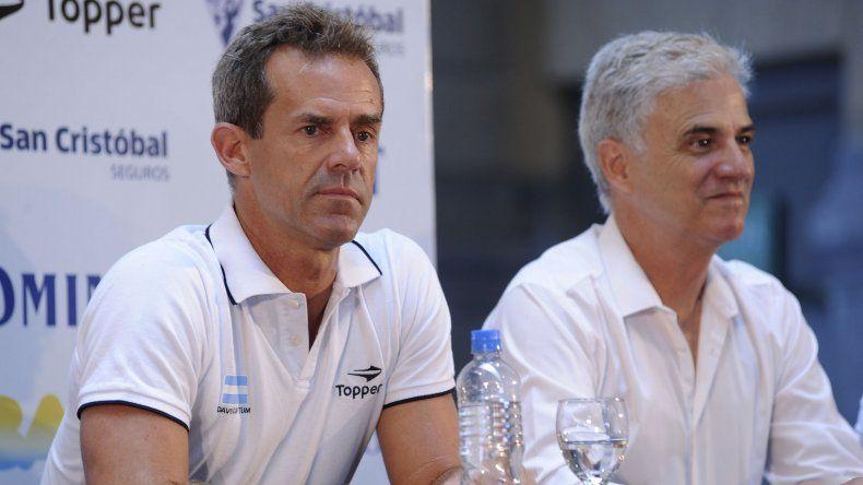 Daniel Orsanic durante el anuncio del equipo argentino que saldrá a defender el próximo mes el título de la Copa Davis.