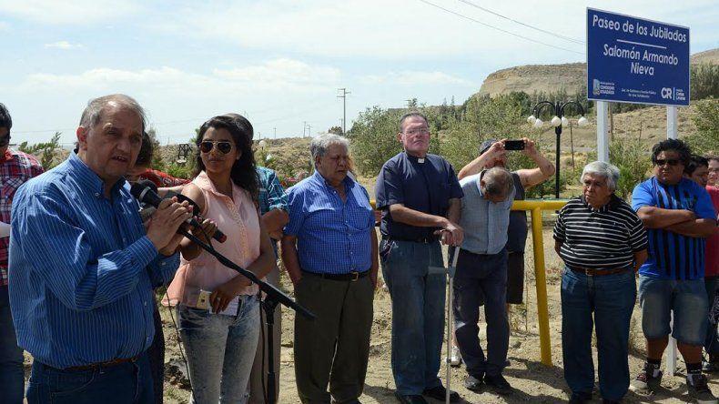 Inauguraron el Paseo de los Jubilados Salomón Armando Nieva