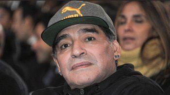 Diego Maradona cerca de ser el nuevo DT de Gimnasia