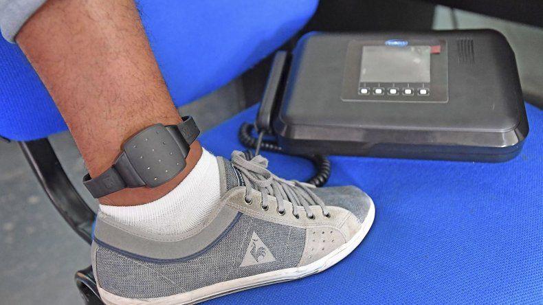 Las pulseras y tobilleras electrónicas ya se encuentran en manos de la justicia para iniciar prueba piloto.