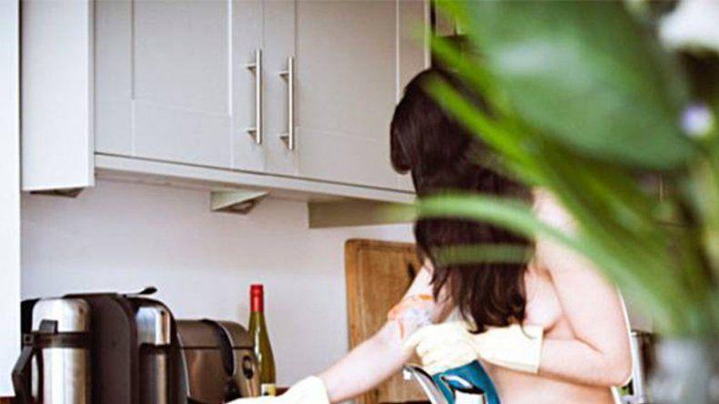 Polémica: empresa que ofrece domésticas desnudas