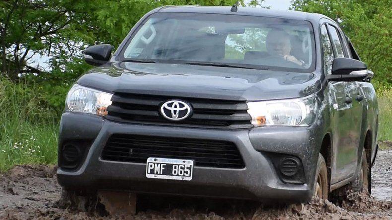 Prueba Toyota Hilux DX Doble Cabina 4×4 M/T
