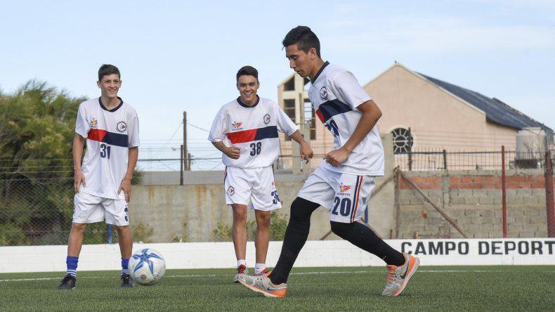 USMA tiene un plantel de 40 jugadores que se dividen para jugar el Federal C y el torneo local.
