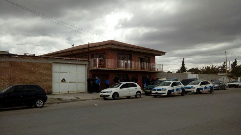 Megaoperativo: secuestraron 120 autos, armas de fuego y municiones