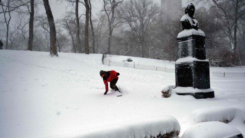 Algunos aprovecharon las pendientes de Central Park para hacer deporte.