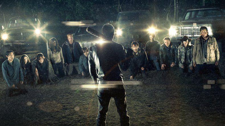 Mañana continúa la séptima temporada de The Walking Dead.