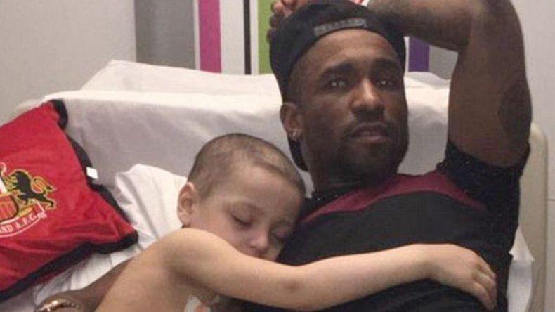 La figura de la Premier League que pasó la noche en el hospital junto a un niño con cáncer terminal