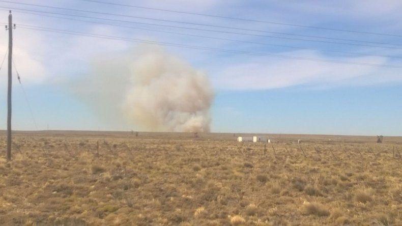 Incendio de campos en la zona de Manantiales Behr