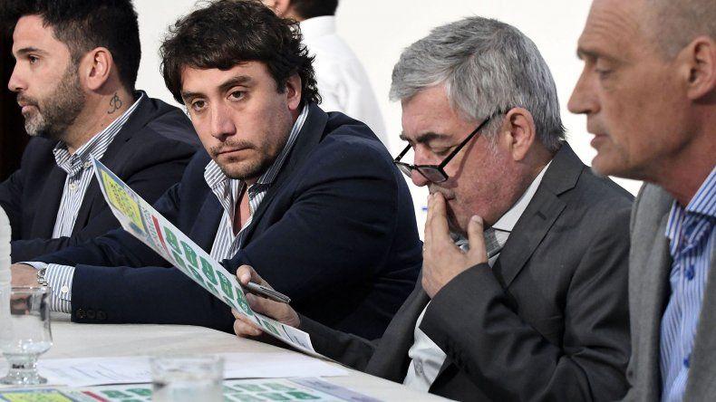 El gobernador Mario Das Neves encabezó ayer el acuerdo de firma de precios Vuelta al Cole.