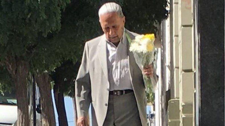 La tierna foto de un abuelo que emocionó en San Valentín