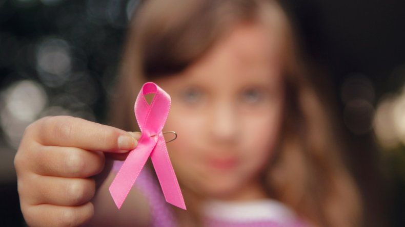 Por falta de oncólogos infantiles, 54  chicos se tratan en Buenos Aires
