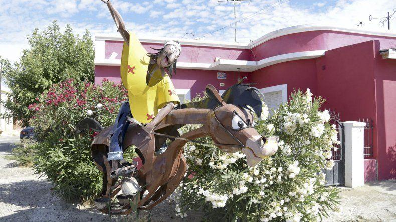 La escultura de Patoruzú que está en la esquina de la casa de Calico.