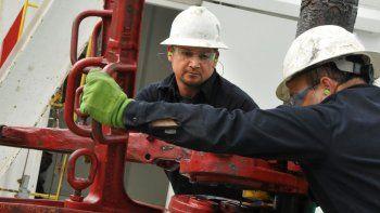 La agenda de flexibilización laboral busca imponerse en el sector petrolero nacional