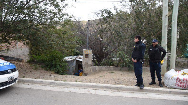 5f952f73d55 La policía allanó la casa de Andrés Almonacid y secuestró elementos que  serían robados