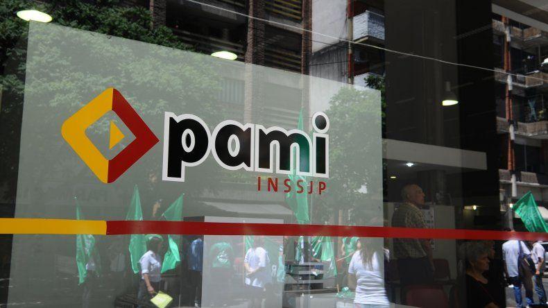 A partir de junio el PAMI reemplazará las credenciales