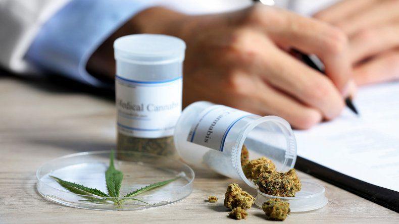 Los usuarios de cannabis medicinal reclaman la reglamentación de la ley