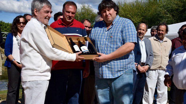 El gobernador Mario Das Neves firmó ayer