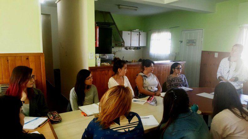 La capacitación comenzó ayer en la sede del Punto de Encuentro.