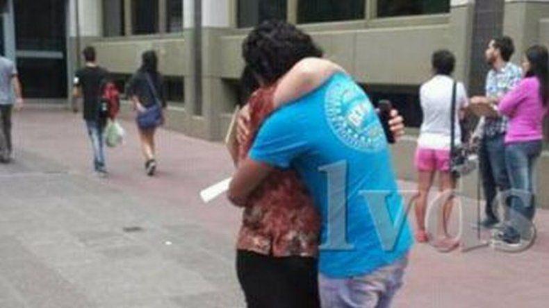 Carlos Aguirre se reencontró con su madre en Mendoza