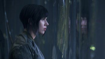 Scarlett Johansson es la protagonista de La Vigilante del futuro, película que se estrenará mañana en el Cine Teatro Español.