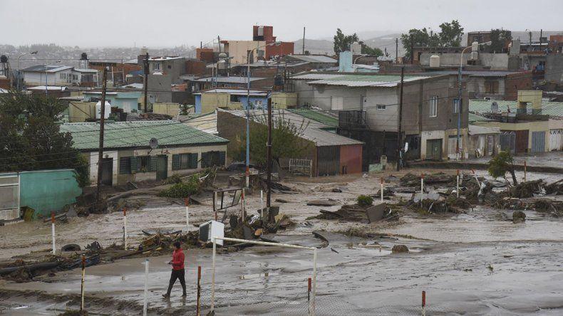 Comodoro se ha inundado con 100 milímetros y también con 14