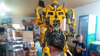 Furor en Salta por Transformers hechos por un artesano