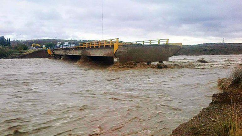 El puente de Arroyo Verde cedió el 9 de abril de 2014 por la crecida del curso de agua.<br><br>