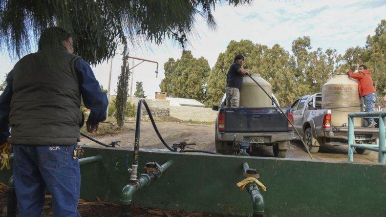 Por roturas de caños menores hay sectores sin agua