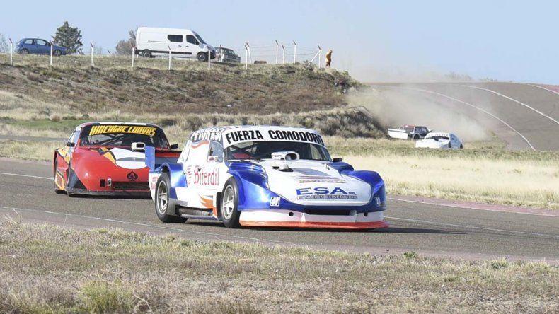 El automovilismo se sumó a una doble jornada solidaria en el autódromo General San Martín.