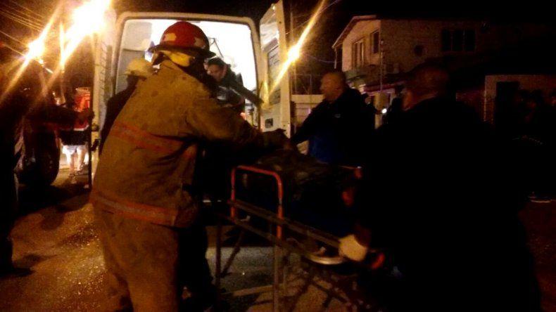 Incendio en una vivienda dejó a padre e hijo internados por principio de asfixia