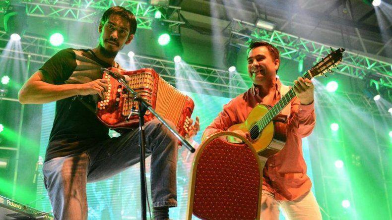 Más de 30 artistas de folclore se reúnen en un Festival Solidario