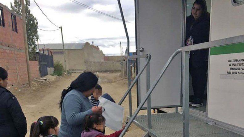 El consultorio móvil atiende por estos días en el barrio Las Américas.