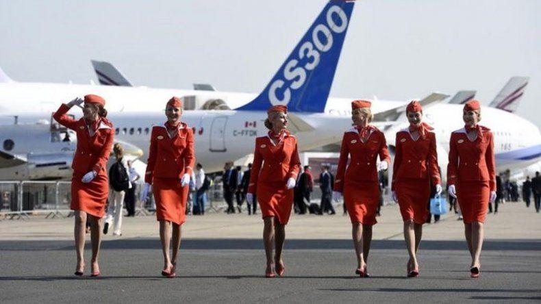 Una aerolínea rusa sanciona a las azafatas con sobrepeso