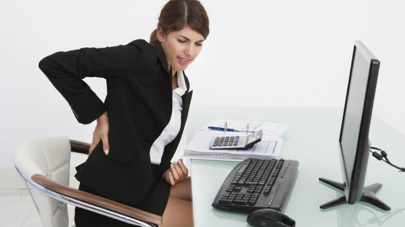 El dolor de espalda que puede deberse a una enfermedad reumatológica