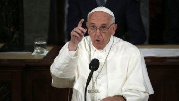 el vaticano advirtio que francisco no manda bendiciones por whatsapp