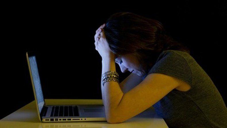 Especialistas llamaron la atención sobre el uso de redes sociales para ejercer maltrato a mujeres.
