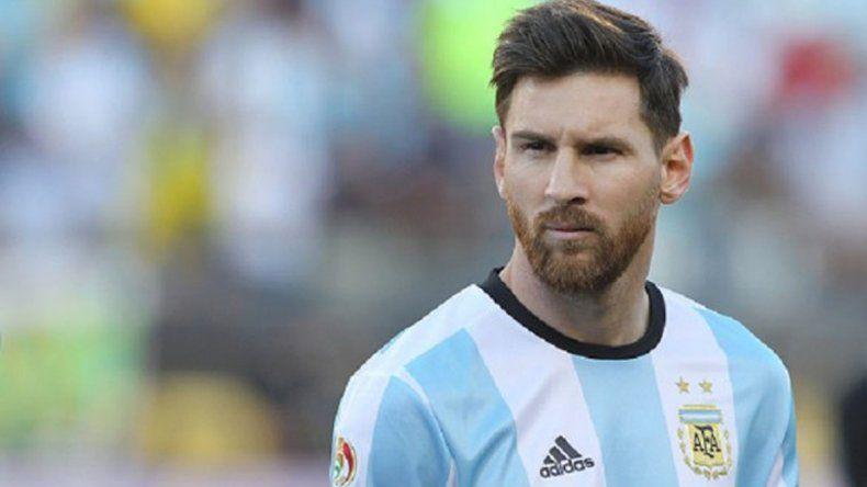 Messi pidió a la FIFA que le den por cumplida la sanción de cuatro fechas