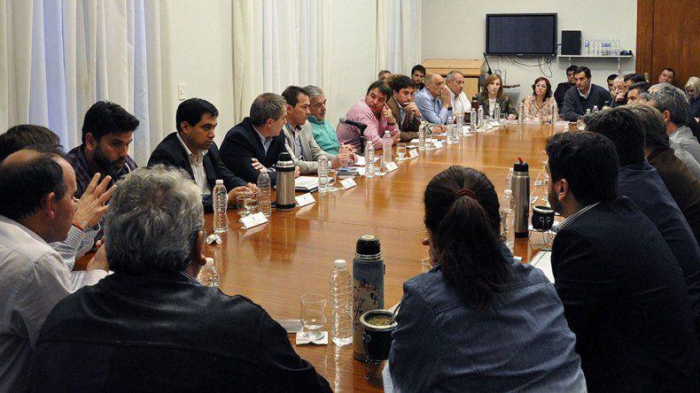 El gobernador reunió ayer a su gabinete para hablar de la optimización del gasto público.