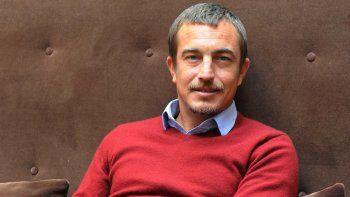 Olivier Bourdeaut tuvo varios oficios, entre ellos recolector de sal, antes de convertirse en escritor.