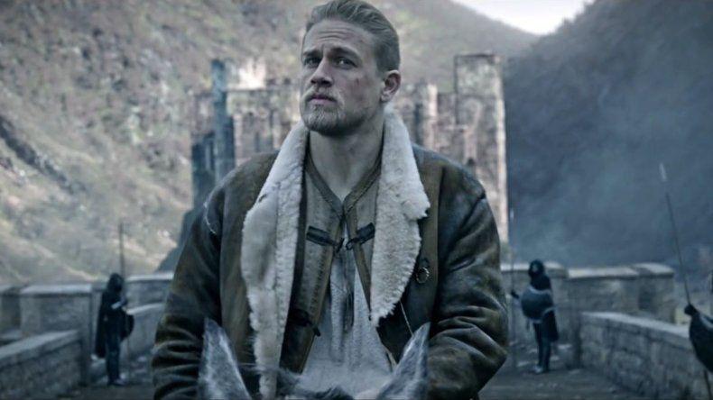 El rey Arturo, la leyenda de la espada