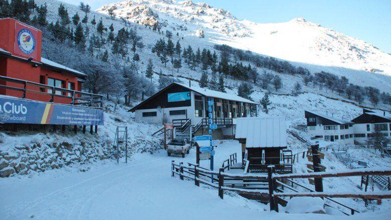 Falta poco menos de dos meses para el inicio de la temporada invernal en el centro de esquí cordillerano.